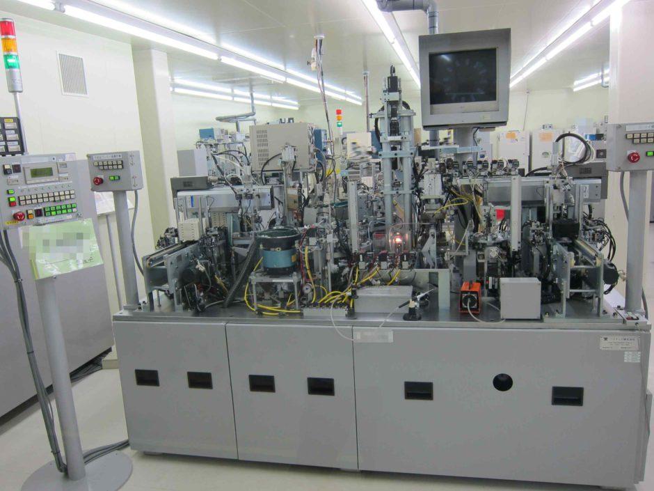 スポット溶接式自動組立機